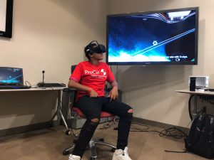 One ProCSI 2018 student tests out virtual reality goggles